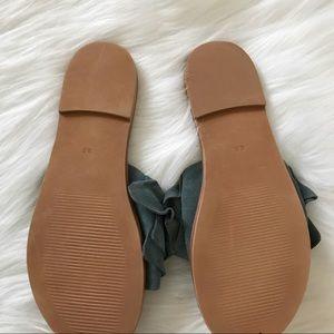 57fef9f9a7c STEVE MADDEN Getdown blue suede ruffle sandals